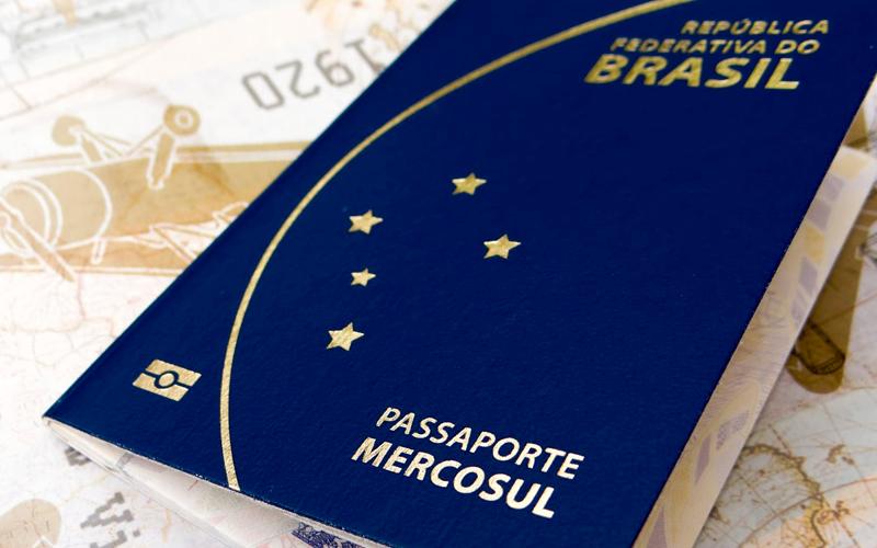 Resultado de imagem para passaporte brasileiro