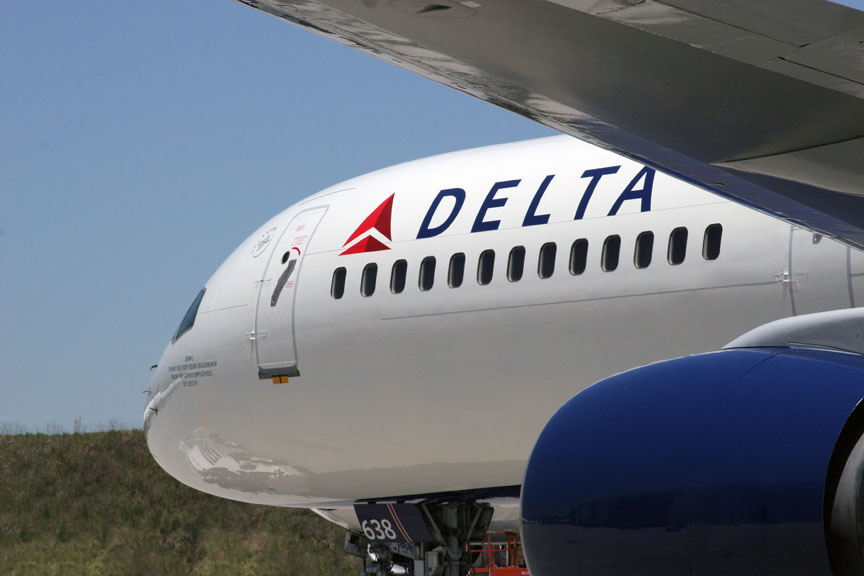 Foto24 Delta Airlines Passageiros são flagrados fazendo sexo oral em voo