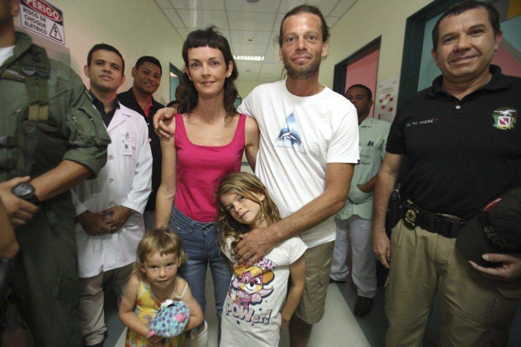 Foto10 Familia Harteau 1024x683 Americanos escapam de piratas brasileiros usando prancha
