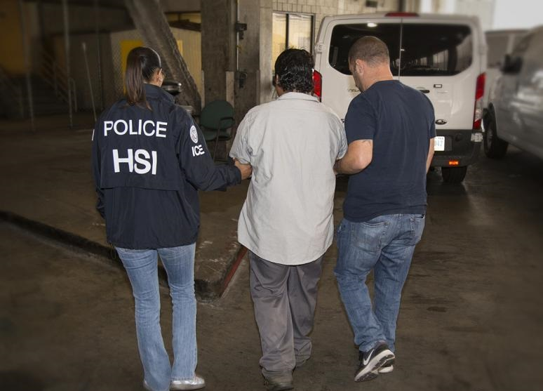 Foto14 Operation Raging Bull ICE admite que combate às gangues é pretexto para prender indocumentados