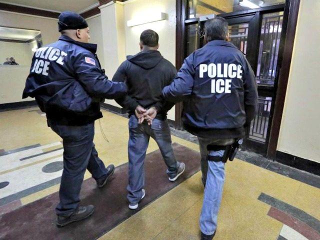 """Foto16 Prisao ICE Quando uma audiência na Corte é """"armadilha"""" para os imigrantes"""