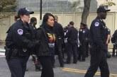 """Ativistas são presos em protesto a favor dos """"Dreamers"""""""