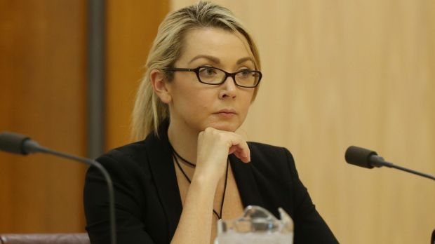 Foto9 Skye Kakoschke Moore Austrália perde 9º legislador em crise de cidadania
