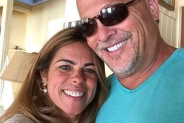 Americano pede mão de brasileira em casamento com outdoor