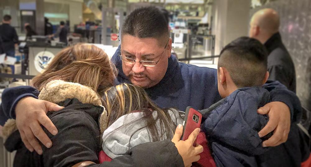 """Foto25 Jorge Garcia  Velho demais para o DACA, """"Dreamer"""" é deportado"""