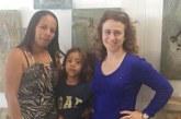 Filho de pai preso na fronteira dos EUA retorna ao Brasil