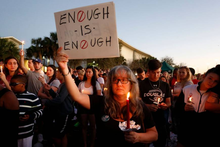 Foto2 Vigilia ma Marjory Stoneman Douglas High School Após chacina, senadores discutem pornografia ao invés de armas