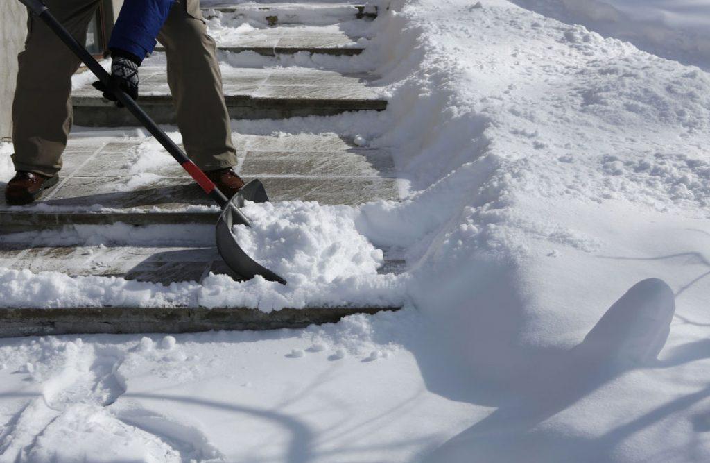 Foto6 Tirando neve 1024x667 Especialistas preveem mais neve em NJ