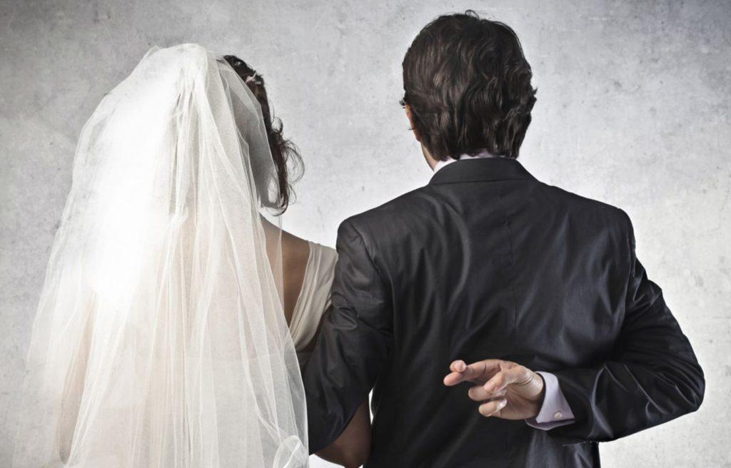 Foto9 Casamento falso 1024x656 Americano casa com 6 indocumentadas por dinheiro em MA