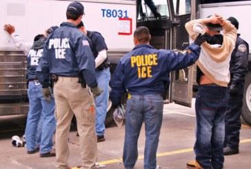 Ativistas pedem empresa de ônibus que não colabora com o  ICE