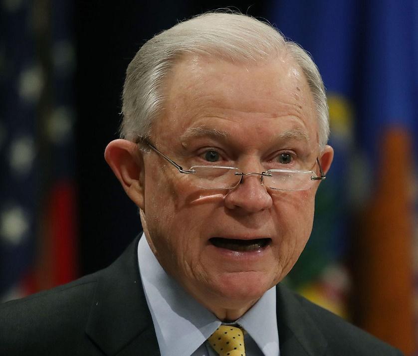 Foto10 Jeff Sessions Sessions critica Califórnia por não colaborar com o ICE
