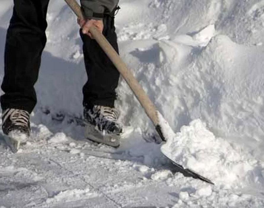 Foto19 Tirando neve Tempestade poderá acumular até 12 polegadas de neve em NJ