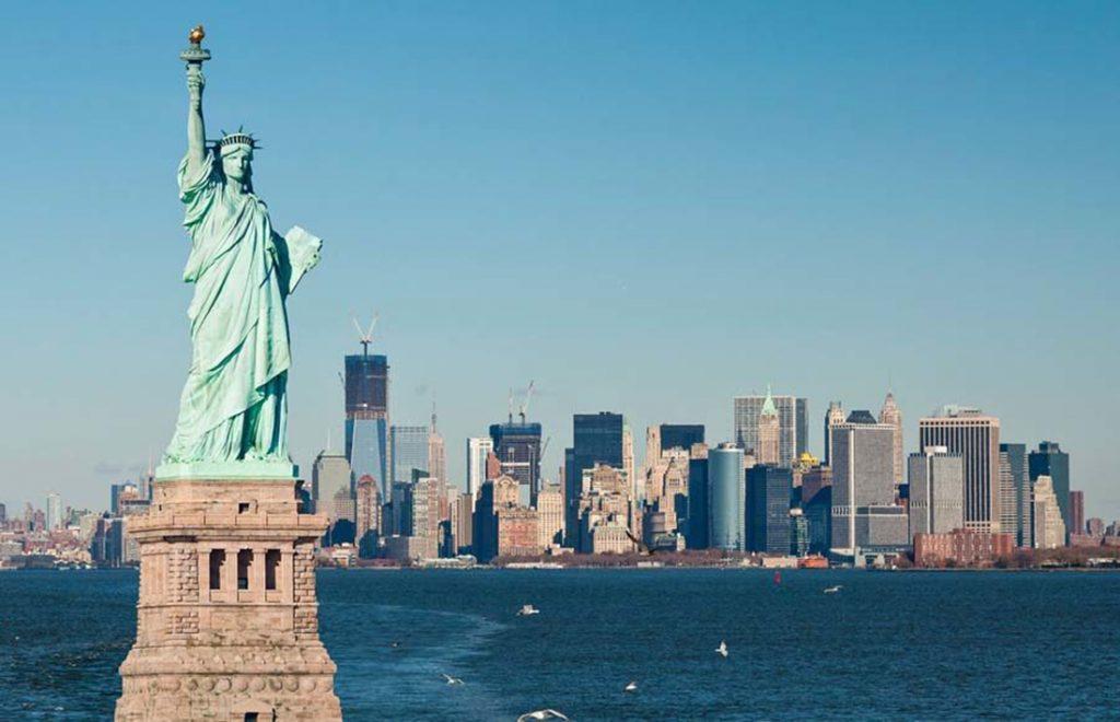 """Foto22 Estatua da Liberdade SBT chega aos EUA através do """"SBT Internacional"""""""