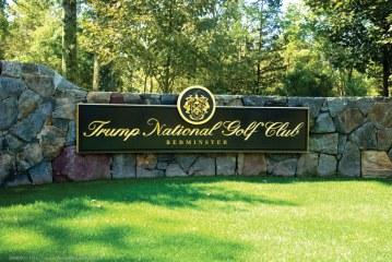 Clube de golfe de Trump pede novamente a contratação de estrangeiros