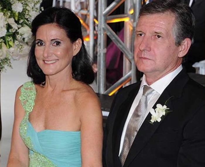 Foto27 Carlos e Jemima Guimaraes Brasileiros acusados de sequestrar neto pagam fiança de US$ 1 milhão
