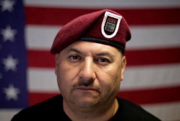 Veterano deportado é perdoado e torna-se cidadão americano