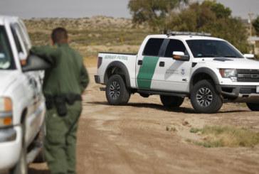 Caminhão levando 19 indocumentados capota na Califórnia