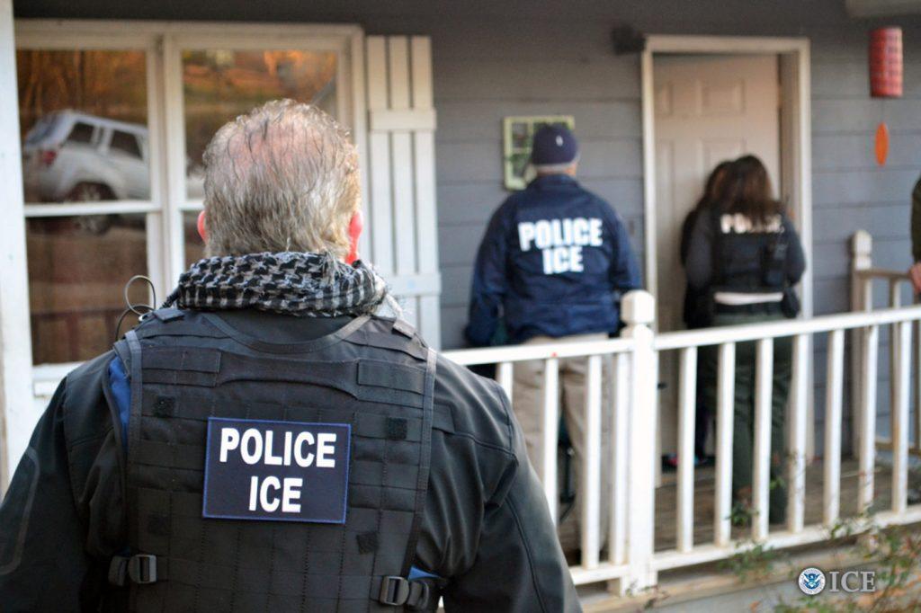 Foto24 Prisao ICE  Brasileiros são presos em batidas do ICE em New Jersey