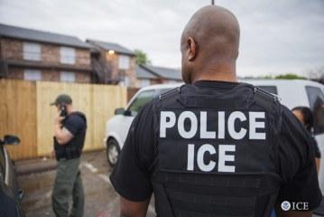 Brasileiros estão entre os 225 presos em batidas do ICE