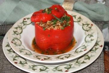 Pimentões recheados com carne e arroz