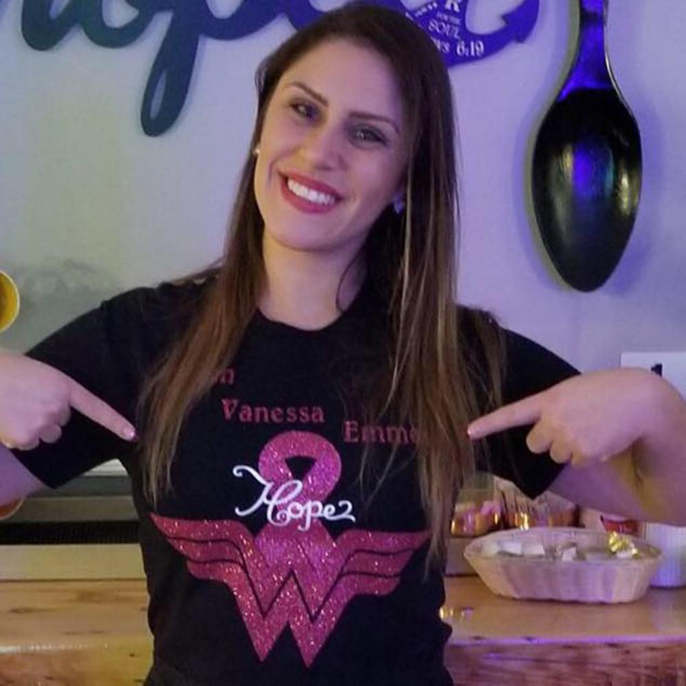 Foto1 Vanessa Emmerick  Amigos fazem campanha para brasileira que luta contra câncer em NJ