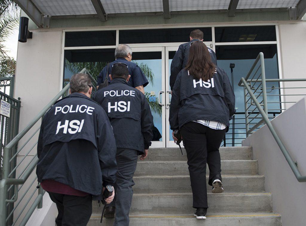 Foto23 Agentes do ICE ICE dobra o número de auditorias em empresas nos EUA