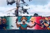 Escola cobre mural com imagem da cabeça de Trump empalada