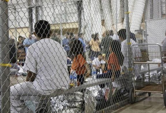Juiz dá 30 dias para governo reunir famílias separadas na fronteira
