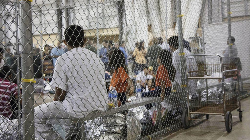 Foto1 Criancas detidas  Juiz dá 30 dias para governo reunir famílias separadas na fronteira