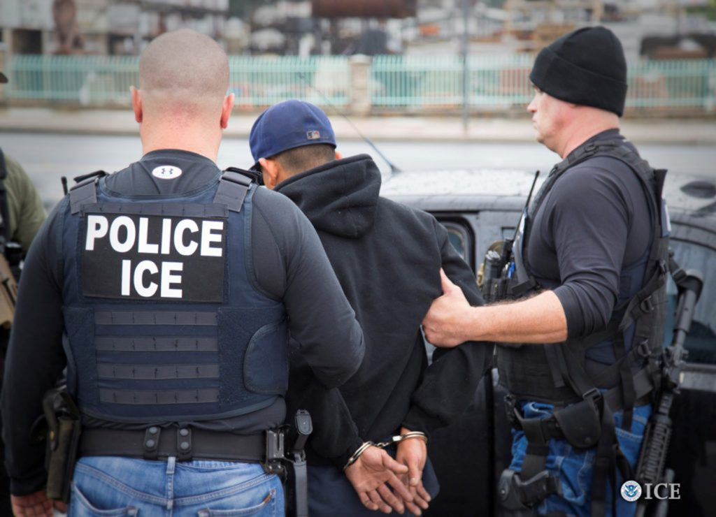 Foto19 Prisão ICE  Batidas do ICE resultam na prisão de 91 imigrantes em NJ
