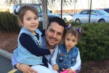 Entregador de pizza detido pelo ICE tem deportação suspensa