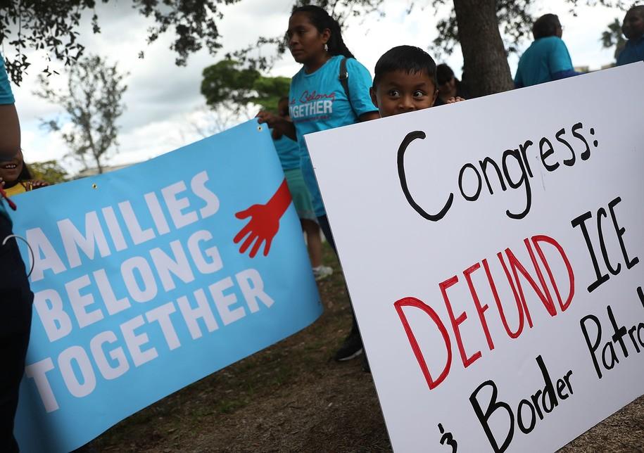 Foto5 Grupo Families Belong Together NJ: 16 cidades protestarão contra política migratória de Trump