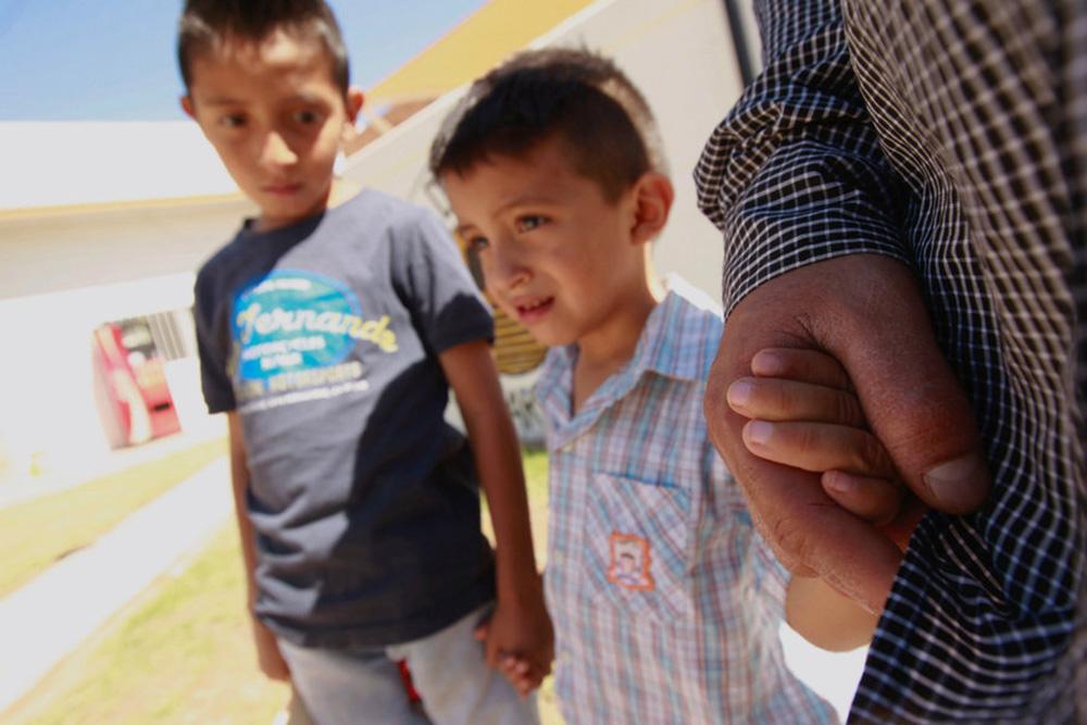 Foto6 Pais e filhos detidos na fronteira  O que significa a suspensão de Trump das separações na fronteira?
