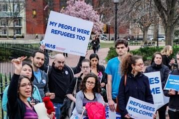 Escolha de Trump para liderar departamento de refugiados é contra imigração