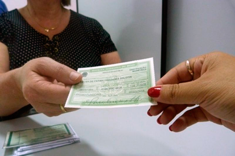 Foto21 Titulo eleitoral  Imigrantes nos EUA se preparam para eleições presidenciais no Brasil