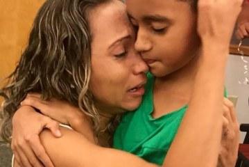 Separados na fronteira, brasileira se reencontra com o filho após 44 dias