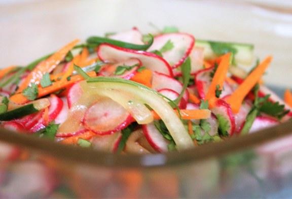 Salada de rabanete com molho de raiz forte – wasabi