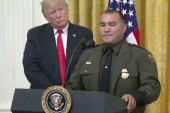 "Trump elogia patrulheiro latino por falar ""inglês perfeito"""
