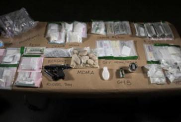 """Polícia confisca droga """"boa noite Cinderela"""" usada em boate"""