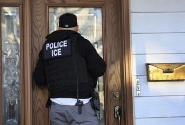ICE descobre 13 imigrantes e 2 coiotes em casa clandestina