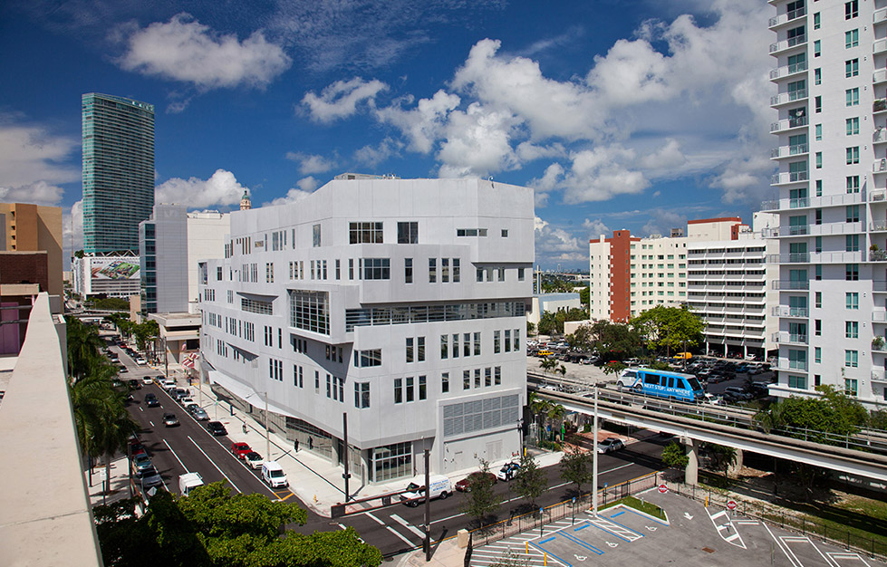 Foto16 Miami Dade College Consulado do Brasil indica locais de votação na Flórida