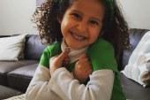 Menina brasileira luta contra síndrome rara em Illinois