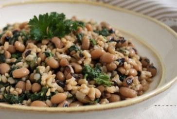 Feijão fradinho com arroz integral e espinafre