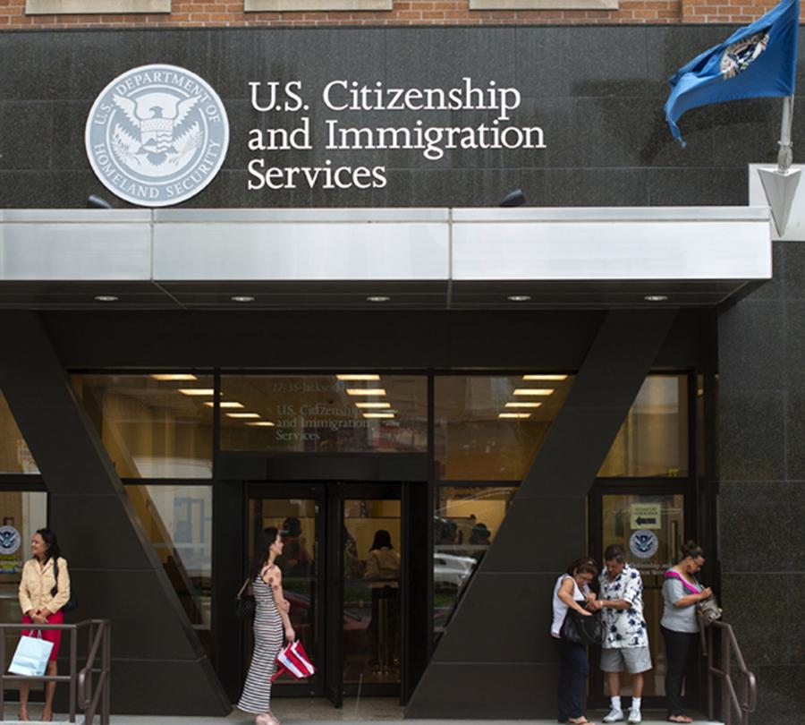 Foto19 USCIS Imigrantes legais que abusarem de benefícios públicos podem ser deportados
