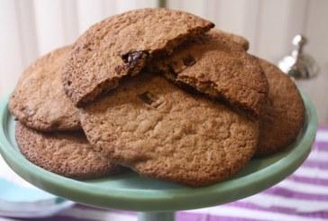 Cookies de farinha integral, azeite e chocolate