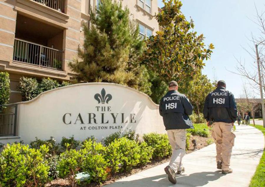 Foto10 Condominio Carlyle ICE realiza batidas em hotéis com turistas que vieram aos EUA ter bebês