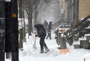 Caos: Nevasca paralisa o trânsito em New Jersey