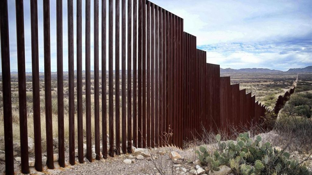 Foto21 Muro na fronteira Projeto de muro na fronteira com o México recebe verba de US$ 145 milhões