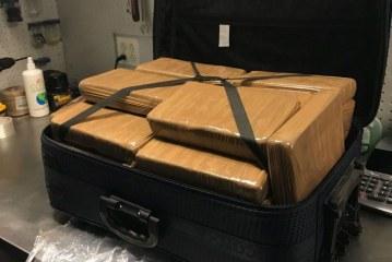 Encontrada mala com US$ 1.3 milhão em cocaína no JFK