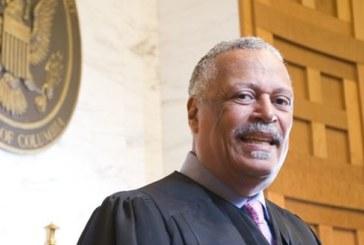 Juiz ordena que candidatos a asilo deportados sejam retornados aos EUA